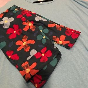 LuLaRoe TC leggings and XL Irma Top